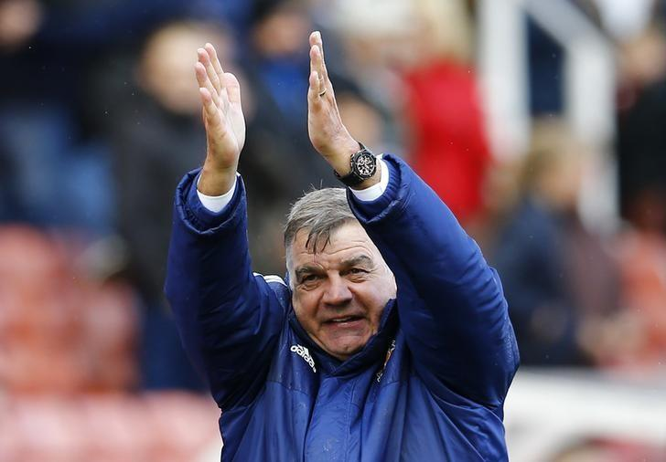 Britain Football Soccer - Stoke City v Sunderland - Barclays Premier League - The Britannia Stadium - 30/4/16Sunderland manager Sam Allardyce celebrates at the end of the matchReuters / Darren StaplesLivepic