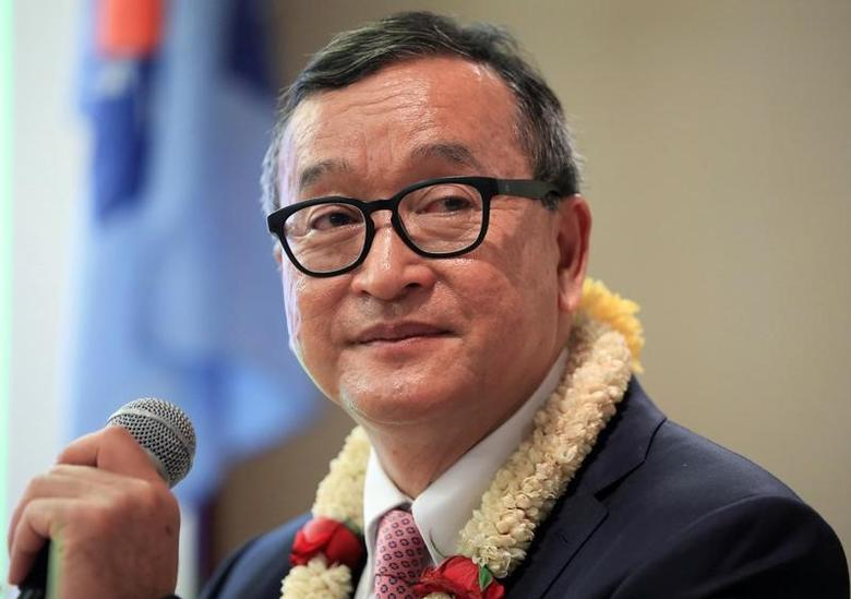 Cambodian opposition leader Sam Rainsy delivers a speech to members of the Cambodia National Rescue Party (CNRP) at a hotel in metro Manila, Philippines June 29, 2016. REUTERS/Romeo Ranoco