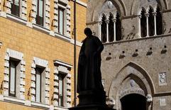 Le ministère allemand des Finances s'est déclaré mercredi préoccupé par le projet de l'Italie de venir en aide à Banca Monte dei Paschi, en soulignant que Rome devait respecter les règles européennes en la matière. /Photo d'archives/REUTERS/Max Rossi