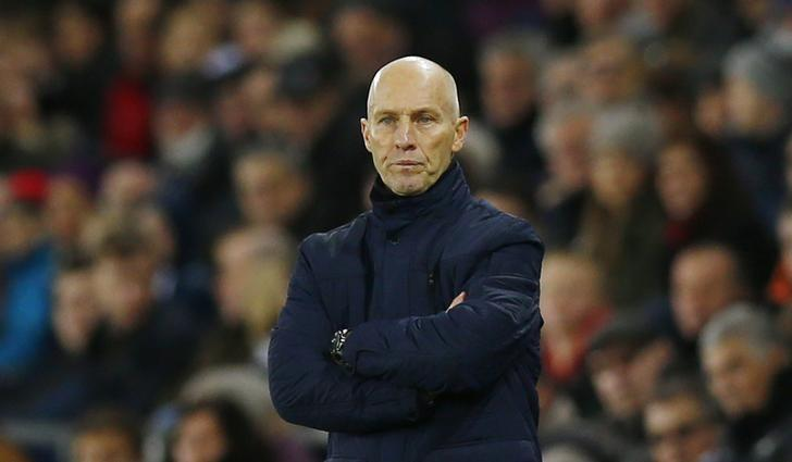 Britain Soccer Football - Swansea City v West Ham United - Premier League - Liberty Stadium - 26/12/16 Swansea City manager Bob Bradley  Action Images via Reuters / Peter Cziborra Livepic
