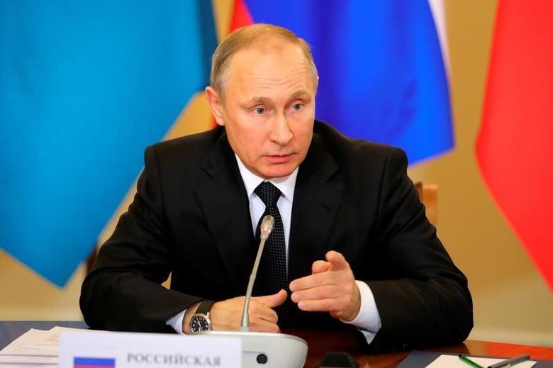 Russian President Vladimir Putin attends a session of the Collective Security Treaty Organisation (CSTO) in St. Petersburg, Russia December 26, 2016.  Sputnik/Michael Klimentyev/Kremlin/via REUTERS