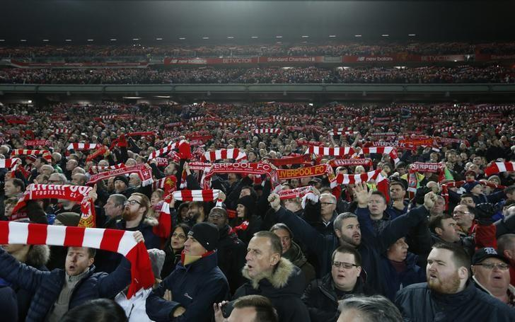 Britain Football Soccer - Liverpool v Manchester City - Premier League - Anfield - 31/12/16 Liverpool fans Action Images via Reuters / Carl Recine Livepic