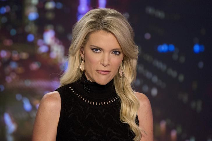 Host Megyn Kelly prepares for her Fox News Channel show 'The Kelly File' in New York September 23, 2015. REUTERS/Brendan McDermid/File Photo