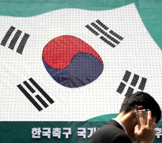 1月6日、韓国政府は、日本が日韓通貨スワップ協定の協議中断を表明したことを受け、状況を見極めていく方針を明らかにした。写真は韓国ソウルで2006年5月撮影(2017年 ロイター/Lee Jae-Won)