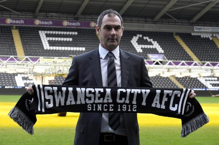 Britain Football Soccer - Swansea City - Paul Clement Press Conference - Liberty Stadium - 5/1/17 New Swansea City manager Paul Clement poses after the press conference Reuters / Rebecca Naden Livepic