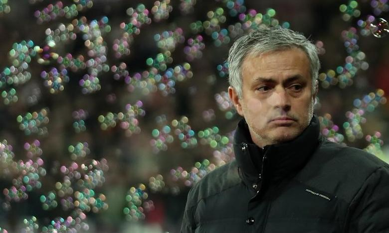 Manchester United manager Jose Mourinho with bubbles Reuters / Eddie Keogh
