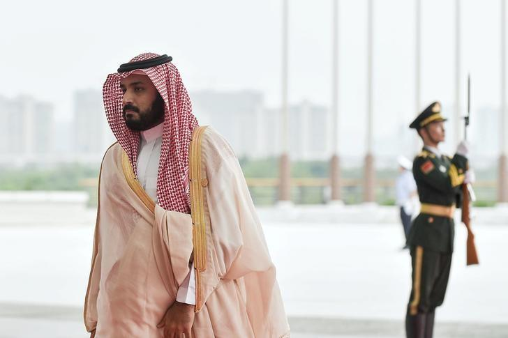 Deputy Crown Prince, Second Deputy Prime Minister and Minister of Defense Muhammad bin Salman Al Saud (L) of Saudi arrives to attend the G20 Summit in Hangzhou, Zhejiang province, China, September 4, 2016. Picture taken September 4, 2016.   REUTERS/Etienne Oliveau/Pool