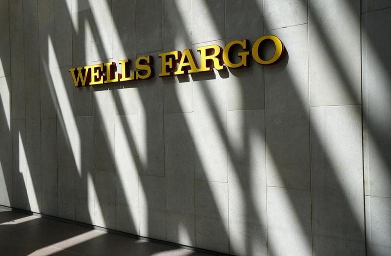The sign outside the Wells Fargo & Co. bank in downtown Denver April 13, 2016.  REUTERS/Rick Wilking/File Photo
