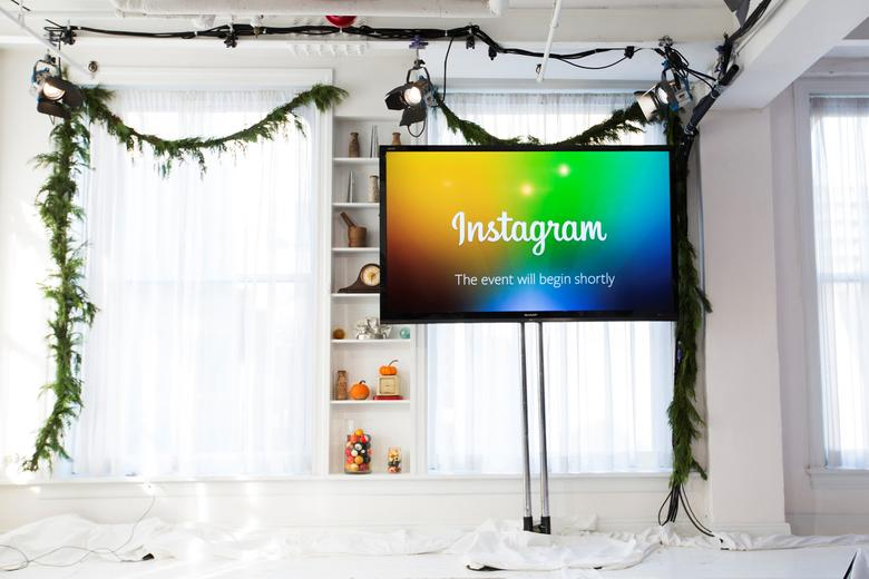 A screen displays a ''This event will begin shortly'' message before Instagram Chief Executive Officer and co-founder Kevin Systrom announces the launch of a new service named Instagram Direct in New York December 12, 2013. REUTERS/Lucas Jackson/File Photo