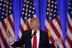 الرئيس الأمريكي المنتخب دونالد ترامب يتحدث خلال مؤتمر صحفي في مانهاتن يوم الأربعاء. تصوير: لوكاس جاكسون - رويترز.
