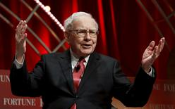 FILE PHOTO - Warren Buffett, chairman and CEO of Berkshire Hathaway, speaks at the Fortune's Most Powerful Women's Summit in Washington, DC, U.S. on October 13, 2015.  REUTERS/Kevin Lamarque