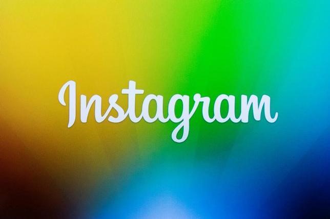 1月11日、米フェイスブック傘下の携帯端末向け写真共有サービス、インスタグラムは、急拡大している新機能「インスタグラム・ストーリーズ」に掲載する広告を30件以上増やし、広告収入の押し上げを図ると発表した。写真はニューヨークで2013年12月撮影(2017年 ロイター/Lucas Jackson)