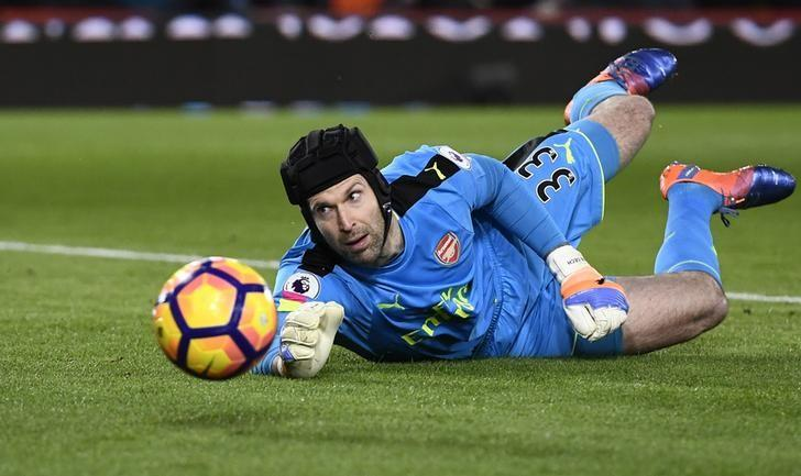 Britain Football Soccer - AFC Bournemouth v Arsenal - Premier League - Vitality Stadium - 3/1/17 Arsenal's Petr Cech in action Reuters / Dylan Martinez Livepic