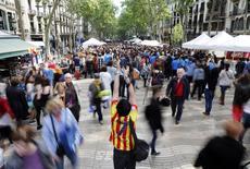 A Barcelone. Avec un total de 75,3 millions de visiteurs, soit une augmentation de 9,9% par rapport à l'année précédente, l'Espagne a enregistré un nouveau record de son activité touristique en 2016 /Photo d'archives/REUTERS/Albert Gea