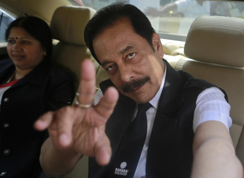 Sahara Group Chairman Subrata Roy gestures as he arrives at the Securities and Exchange Board of India (SEBI) headquarters in Mumbai April 10, 2013. REUTERS/Danish Siddiqui/File Photo