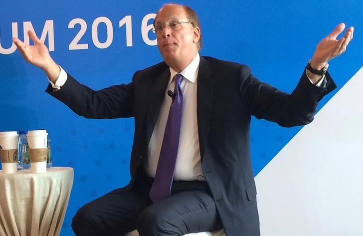 Larry Fink, Chairman and CEO of BlackRock, gestures as he speaks at the BlackRock Asia Media Forum in Hong Kong, China on May 17, 2016. REUTERS/Lisa Jucca/File Photo