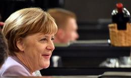 La canciller alemana, Angela Merkel, instó el sábado a Estados Unidos a mantenerse dentro de la cooperación multilateral, señalando que la tendencia hacia el proteccionismo supone un riesgo para la prosperidad. En la imagen, Merkel durante una cena en Bruselas, el 12 de enero de 2017. REUTERS/David Stockman/pool