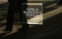 Logo do Fórum Econômico Mundial visto em Davos, Suíça.    16/01/2017     REUTERS/Ruben Sprich