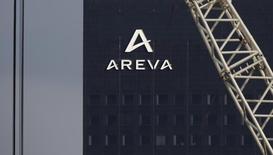 L'Autorité de sûreté nucléaire (ASN) veut renforcer ses procédures de contrôle et celles des industriels pour mieux maîtriser le risque de falsification et fera des propositions dans ce sens à la fin du premier semestre. Cette annonce intervient alors qu'Areva passe en revue quelque 6.000 dossiers de fabrications nucléaires de son usine du Creusot (Saône-et-Loire), qui produit de grandes pièces forgées pour les centrales, après la mise en évidence d'irrégularités dont certaines s'apparentent à des falsifications. /Photo d'archives/REUTERS/Christian Hartmann