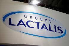 L'investisseur activiste Amber Capital estime que le prix offert par le français Lactalis aux actionnaires minoritaires de Parmalat sous-estime le groupe italien de produits laitiers et il n'apportera pas sa participation de 3% à l'opération. /Photo d'archives/REUTERS/Charles Platiau