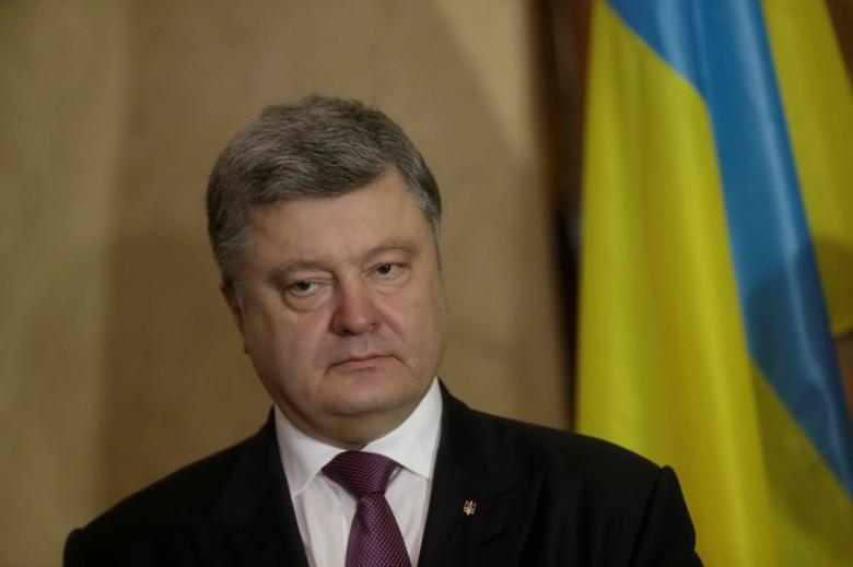 Ukraine's President Petro Poroshenko listens during a news conference in Tallinn, Estonia January 23, 2017.  REUTERS/Ints Kalnins