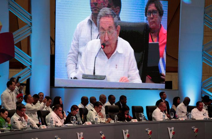 Regional leaders attend a speech of Cuban President Raul Castro during the Community of Latin American and Caribbean States (CELAC) summit in Bavaro, Punta Cana, Dominican Republic, January 25, 2017. REUTERS/Andres Martinez Casares
