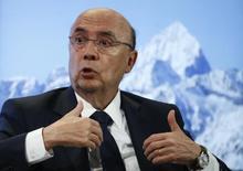 O ministro da Fazenda do Brasil, Henrique Meirelles, durante reunião anual do Fórum Econômico Mundial em Davos, na Suíça 18/01/2017 REUTERS/Ruben Sprich