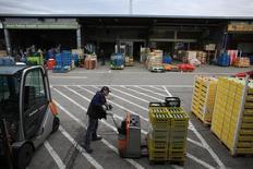 Le nombre de chômeurs a baissé nettement plus que prévu en janvier pour s'établir à 2,605 millions et le taux de chômage de la première économie européenne a été ramené à 5,9%, son niveau le plus bas depuis plus de 25 ans. /Photo d'archives/REUTERS/Marcelo del Pozo