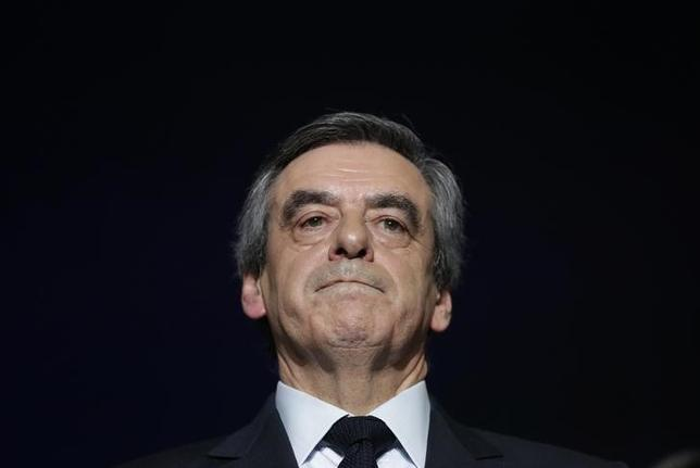 Francois Fillon, former French prime minister, member of The Republicans political party and 2017 presidential candidate of the French centre-right, attends a political rally as he campaigns in Charleville-Mezieres, France, February 2, 2017. REUTERS/Christian Hartmann/Files