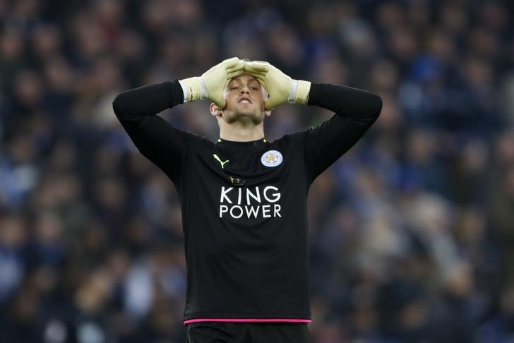 Britain Soccer Football - Leicester City v Manchester United - Premier League - King Power Stadium - 5/2/17 Leicester City's Kasper Schmeichel reacts Action Images via Reuters / Carl Recine Livepic