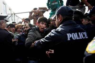 Stranded migrants protest living conditions