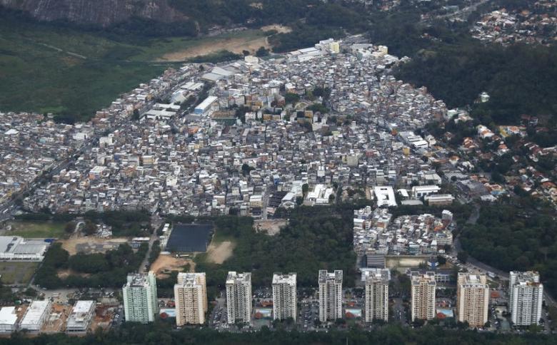 An aerial view of the Rio das Pedras favela in Rio de Janeiro, Brazil August 2, 2016.   REUTERS/Wolfgang Rattay