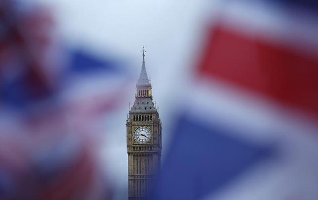 2月6日、欧州委員会のカタイネン副委員長は、英国の欧州連合(EU)離脱交渉が原則の2年以内に完了するには、「ちょっとした奇跡」が必要だと述べた。ロンドンで1日撮影(2017年 ロイター/Neil Hall)