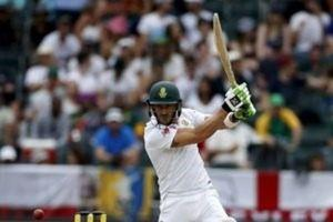 FILE PHOTO: South Africa's Faf du Plessis plays a shot during the third cricket test match against England in Johannesburg, South Africa, January 16, 2016.  REUTERS/Siphiwe Sibeko  Picture Supplied by Action Images