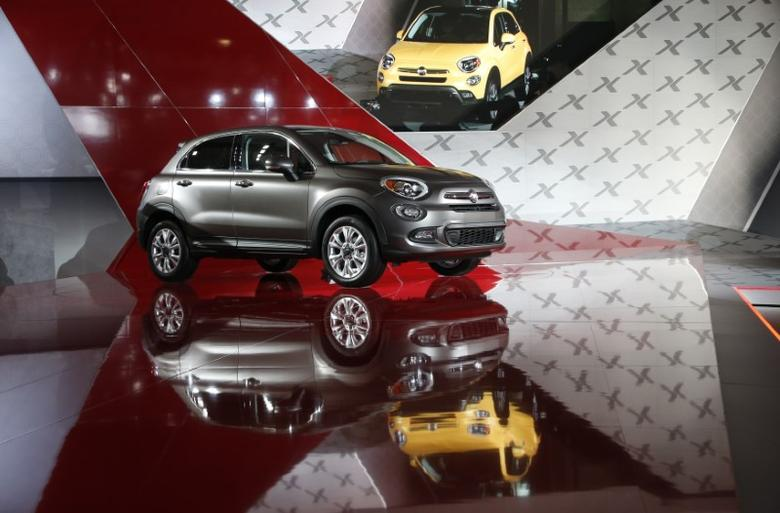 The Fiat 500X is seen during its North American debut at the Los Angeles Auto Show in Los Angeles, California November 20, 2014.   REUTERS/Lucy Nicholson