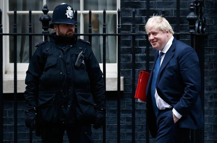 Britain's Foreign Secretary Boris Johnson leaves a cabinet meeting in Downing Street, London, January 31, 2017. REUTERS/Peter Nicholls