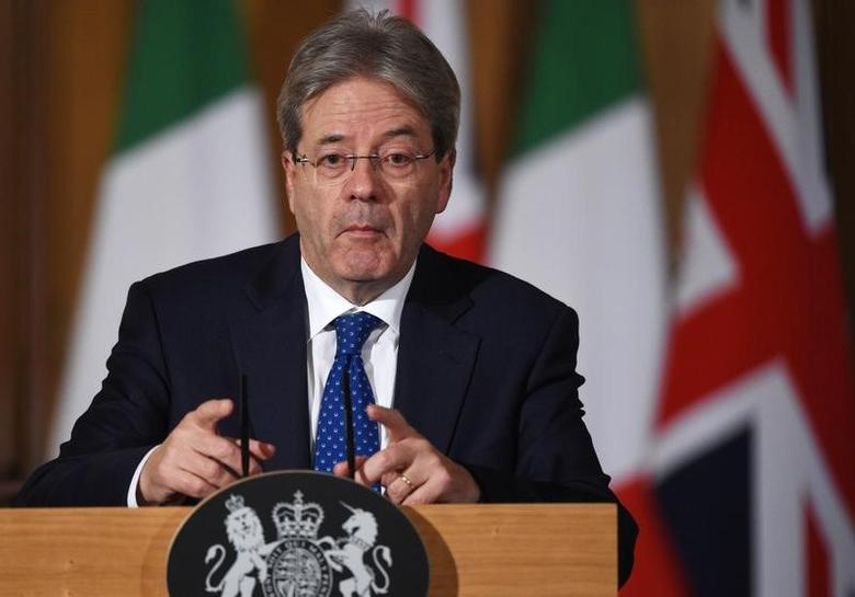Italy's Prime Minister Paolo Gentiloni holds a press conference at Number 10 Downing Street in London, February 9, 2017. REUTERS/Facundo Arrizabalaga/Pool