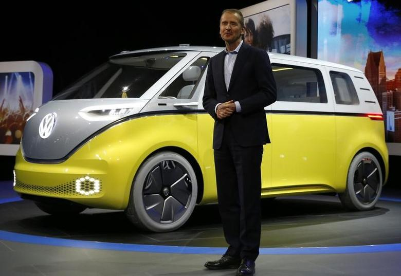 Volkswagen chairman Herbert Diess speaks near an electric I.D. Buzz concept vehicle during the North American International Auto Show in Detroit, Michigan, U.S., January 9, 2017. REUTERS/Brendan McDermid
