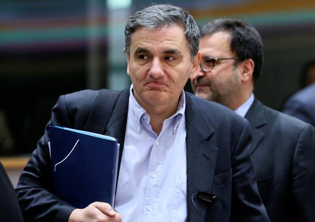 2月13日、ギリシャのチャカロトス財務相(写真)は金融支援に伴う審査の完了を遅らせているあらゆる問題について、20日のユーロ圏財務相会合までに国際債権団と「政治的」合意に達することを目指していると述べた。1月撮影(2017年 ロイター/Stringer)