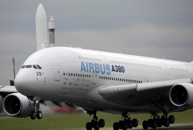 2月14日、フランスのル・ブルジェ航空宇宙博物館に、エアバス製の超大型機A380の飛行試験機が寄贈された。来年から一般向けに展示される。写真は2009年6月撮影(2017年 ロイター/Pascal Rossignol)