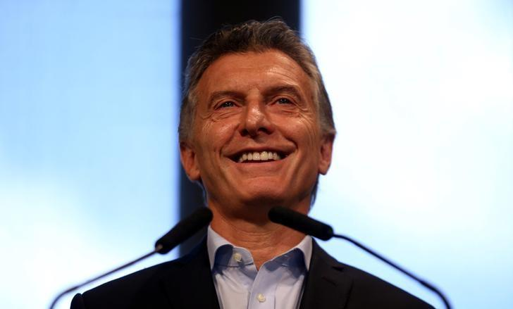 Argentine President Mauricio Macri smiles during a news conference at the Casa Rosada Presidential Palace in Buenos Aires, Argentina, January 17, 2017. REUTERS/Marcos Brindicci