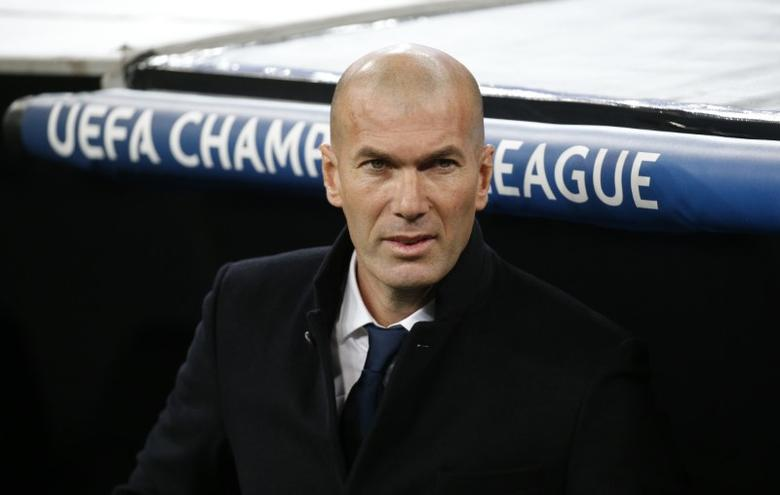 Football Soccer - Real Madrid v Napoli - UEFA Champions League Round of 16 First Leg - Estadio Santiago Bernabeu, Madrid, Spain - 15/2/17 Real Madrid coach Zinedine Zidane   Reuters / Juan Medina Livepic