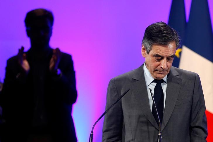 Francois Fillon, a former French prime minister, member of The Republicans political party and 2017 presidential candidate of the French centre-right, attends a political rally in Chasseneuil-du-Poitou near Poitiers, France February 9, 2017. REUTERS/Stephane Mahe/Files