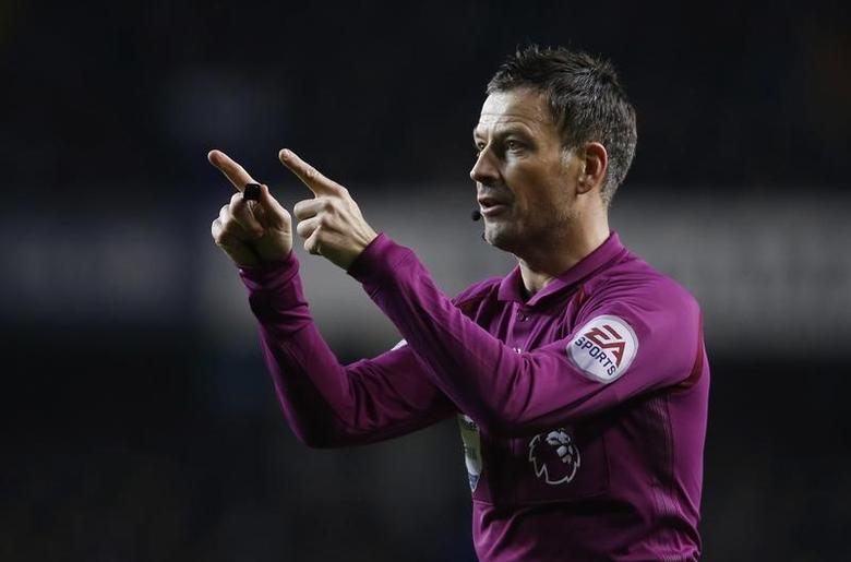 Britain Football Soccer - Tottenham Hotspur v Middlesbrough - Premier League - White Hart Lane - 4/2/17 Referee Mark Clattenburg Action Images via Reuters / Paul Childs Livepic