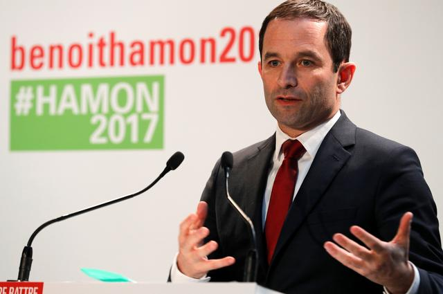 French Socialist party 2017 presidential candidate Benoit Hamon attends a news conference to present his campaign team for the forthcoming Presidential elections in Paris, France, February 11, 2017.  REUTERS/Philippe Wojazer