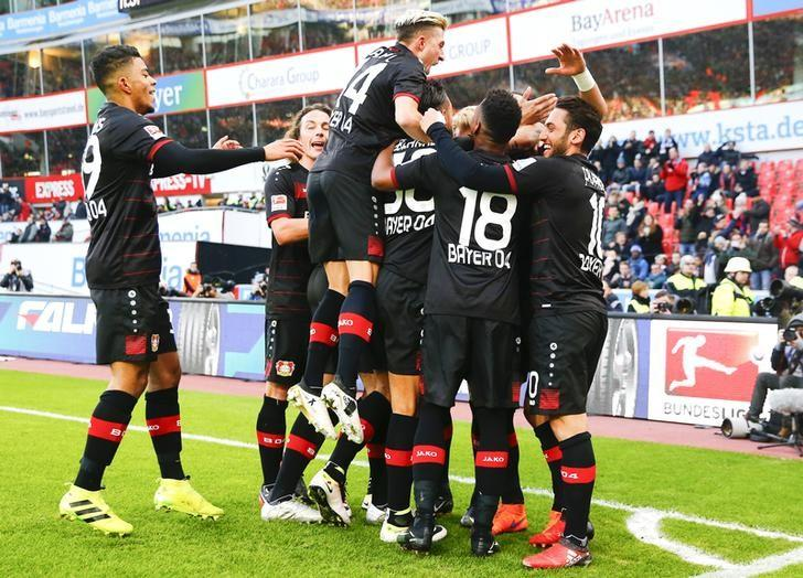 Football Soccer - Bayer 04 Leverkusen v Hertha BSC Berlin - German Bundesliga - BayArena, Leverkusen, Germany - 22/01/17 - Leverkusen players celebrate a goal against Berlin. REUTERS/Wolfgang Rattay/Files