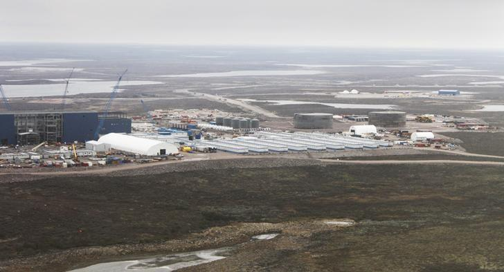 FILE PHOTO -An aerial view shows the Gahcho Kue diamond mine that De Beers is constructing in Northwest Territories in Canada September 25, 2015. REUTERS/Susan Taylor