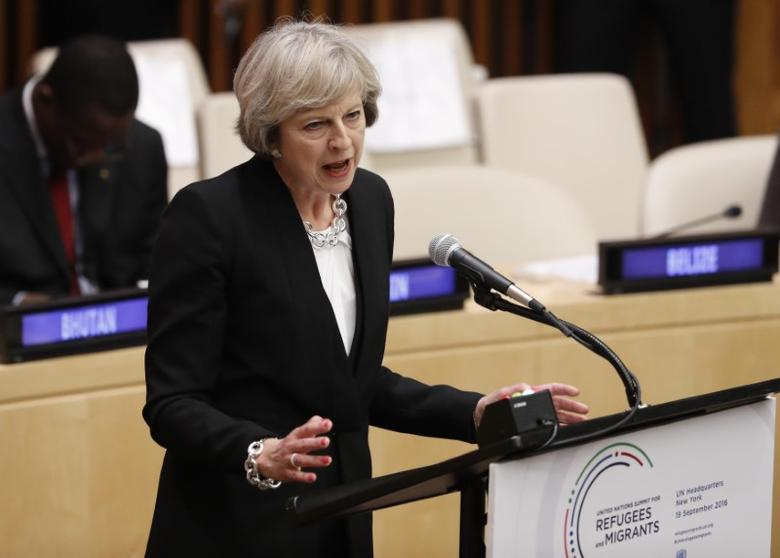 Britain's Prime Minister Theresa May speaks during a high-level meeting on addressing large movements of refugees and migrants at the United Nations General Assembly in Manhattan, New York, U.S., September 19, 2016. REUTERS/Lucas Jackson  - RTSOHBK