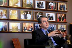 El presidente de la Organización Mundial de Comercio (OMC), Roberto Azevedo, en una entrevista con Reuters en Ginebra, Suiza. 26 enero 2017. El presidente de la Organización Mundial de Comercio (OMC), Roberto Azevedo, dijo el miércoles que aún no ha mantenido conversaciones con el nuevo Gobierno de Estados Unidos, pero confía en que el organismo que encabeza pueda enfrentar  cualquier nueva política comercial estadounidense.      REUTERS/Pierre Albouy