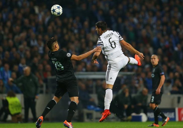 Soccer Football - FC Porto v Juventus - UEFA Champions League Round of 16 First Leg - Dragao Stadium, Porto, Portugal - 22/2/17 Juventus' Sami Khedira in action with FC Porto's Tiquinho Soares  Reuters / Rafael Marchante Livepic